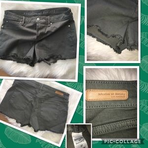 Anthropologie Articles of Society olive shorts 27